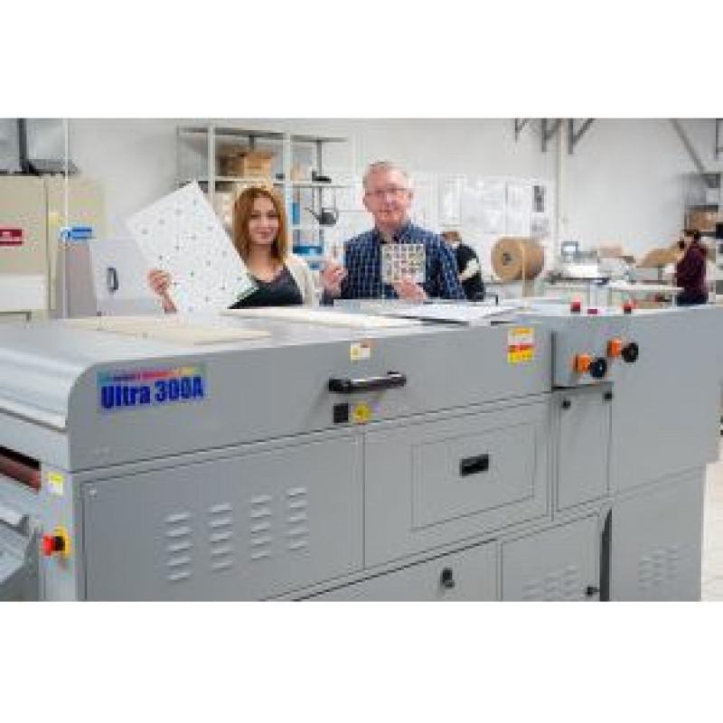 Успешный опыт CEWE с первой в Европе лакировальной машиной ULTRA PrintFlood 300A AQ